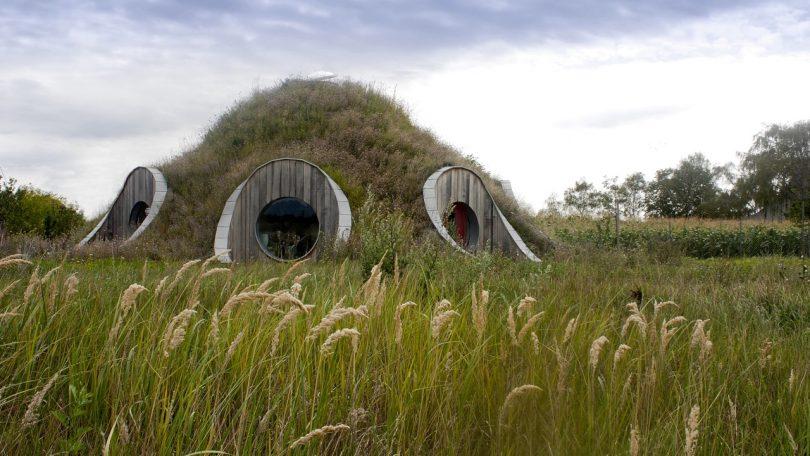 Gernot Minke_kupola v Hrubom Suri_foto Daniel Marinica